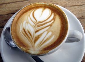 Aranyos alakok kávéból